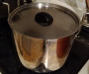 シャトルシェフの中の鍋
